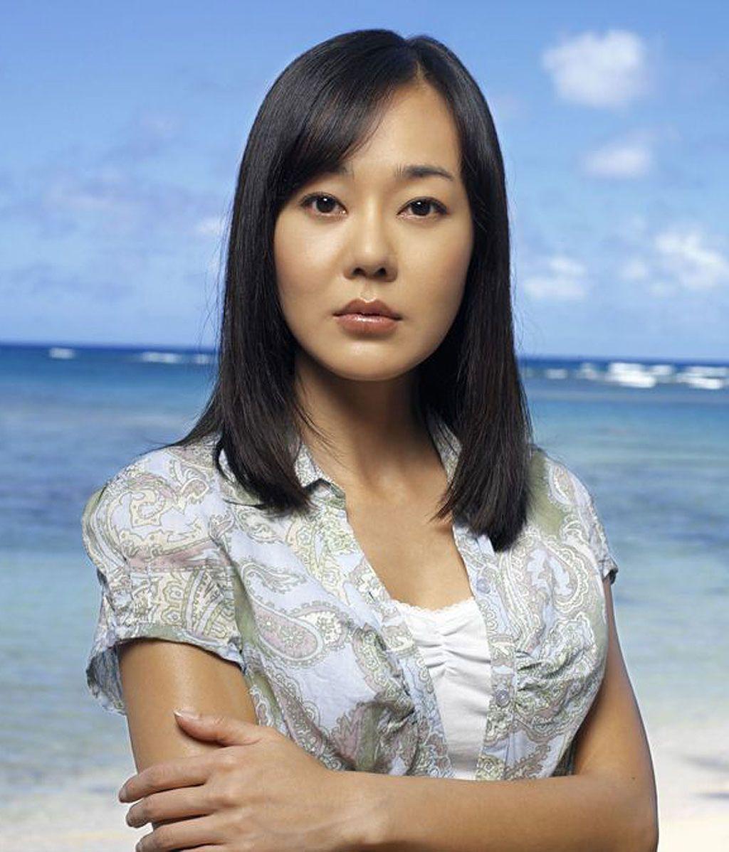 Sun-Hwa Kwon (Yunjin Kim)