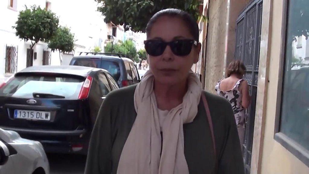 La secuencia más extraña de Isabel Pantoja: De frente y decidida a por el reportero