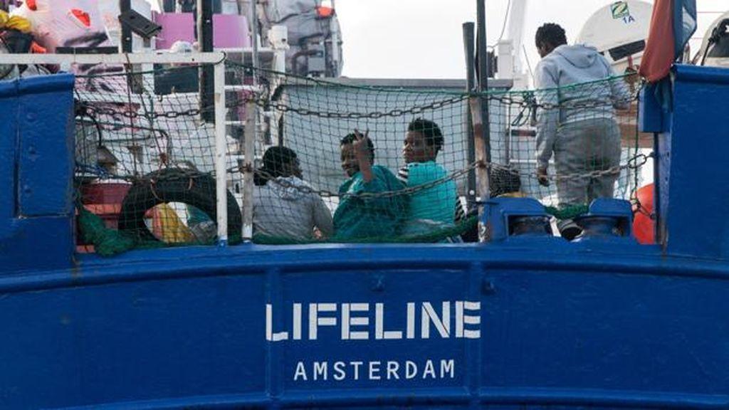 Salvini acusa a un barco con inmigrantes  de no tener documentación legal e insta a Malta a que lo secuestre