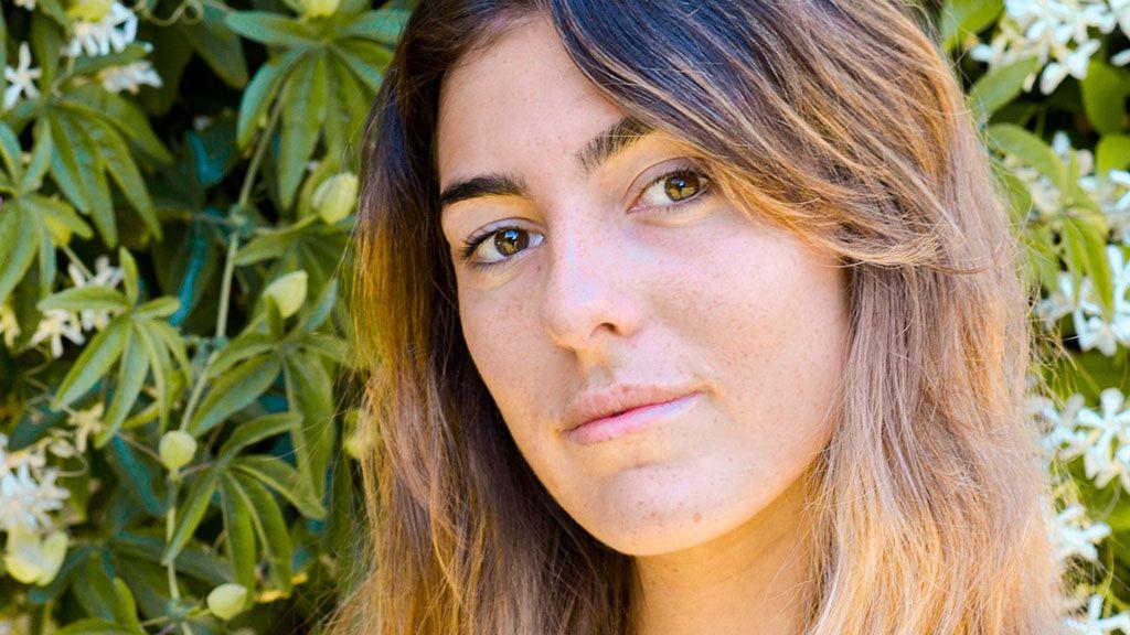 De influencer a diseñadora: La hija de Paz Padilla crea su primera prenda de ropa
