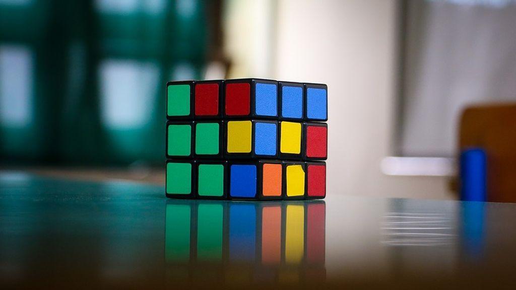 La Universidad de California crea un algoritmo capaz de resolver un cubo de Rubik sin humanos