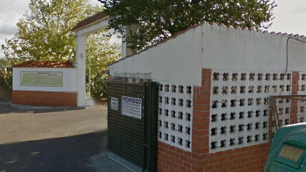 Activado el nivel 1 de peligrosidad por un incendio en Badajoz cerca de una urbanización
