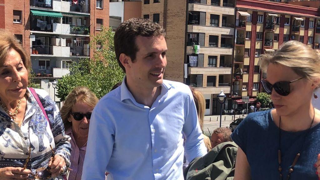 """Casado afirma que trabajará por un PP en el que se """"vuelva a ver juntos"""" a Rajoy y Aznar"""
