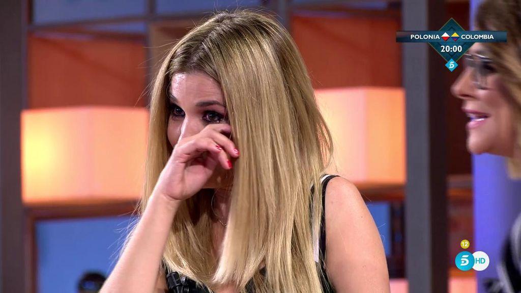 Natalia llora al recordar la dureza de su carrera y Toñi la consuela con un abrazo