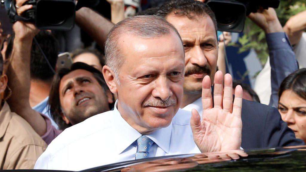 Erdogan roza la reelección directa con el 44,7 por ciento escrutado
