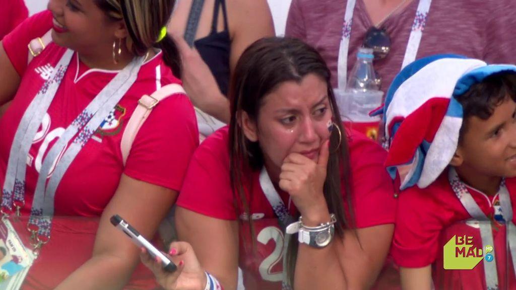 Las lágrimas de emoción de las familias de los jugadores de Panamá tras el partido frente a Inglaterra