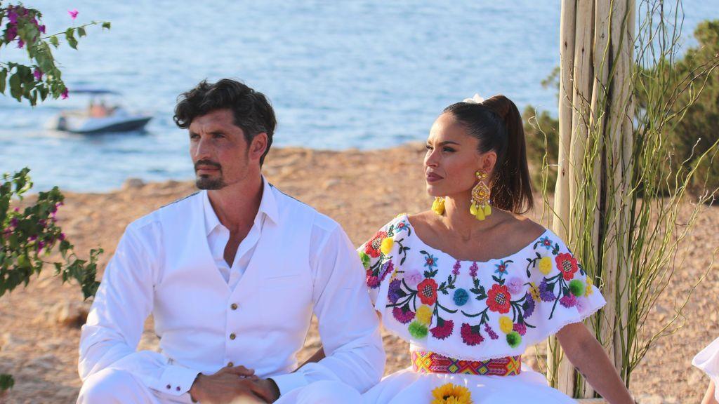 Ibiza, vestido estilo mexicano y botas diseñadas por ella misma: la boda de Mireia Canalda