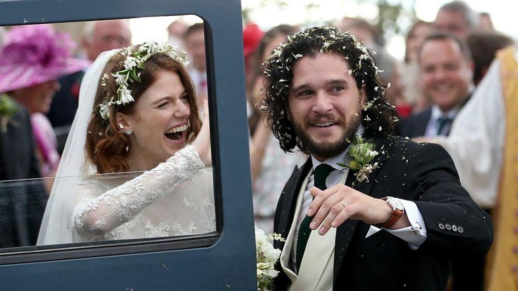 Rose Leslie (Ygritte) y Kit Harington (Jon Snow), el día de su boda, celebrada el sábado 23 de junio de 2018 en Escocia.