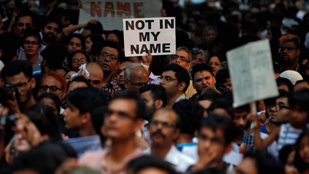 Varias personas son linchadas en India tras difundirse mensajes falsos por Whatsapp