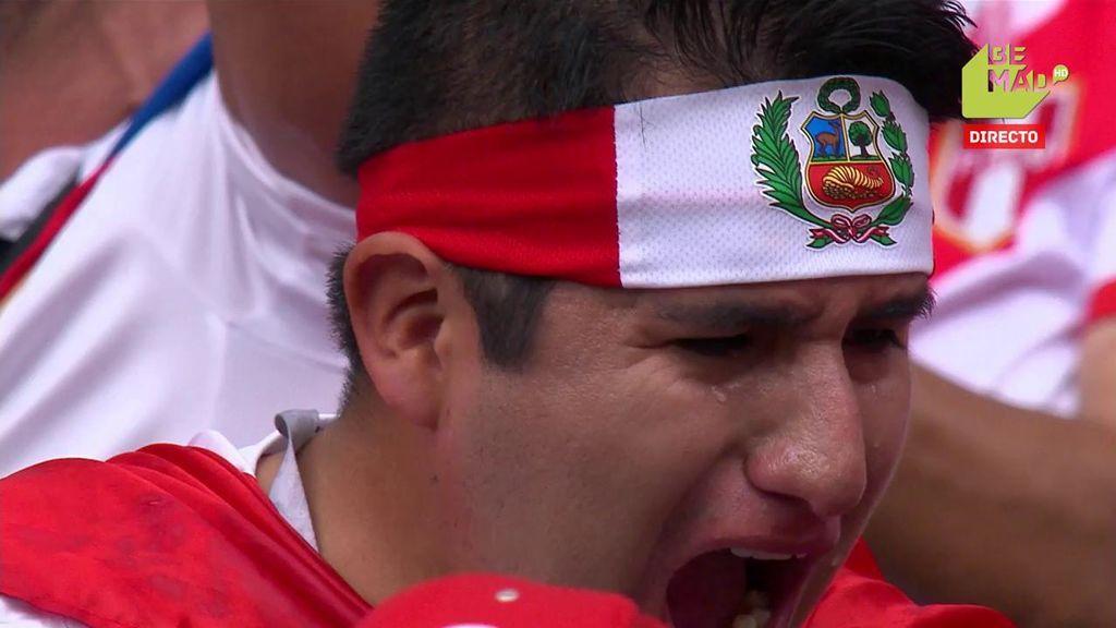 Aficionados de Perú echan a llorar tras volver a ver marcar a su selección... ¡36 años después!
