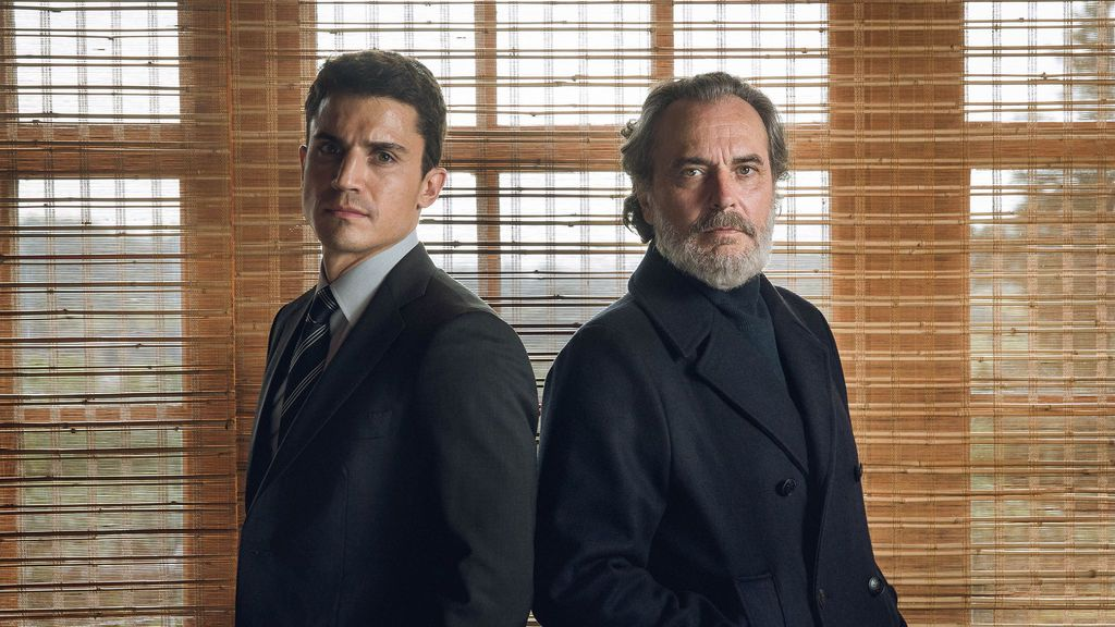 Álex González y José Coronado son Mario Mendoza y Nemo Bandeira en la serie de Telecinco 'Vivir sin permiso'.