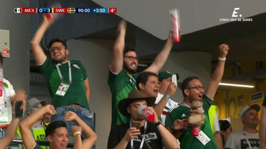¡Como si hubiera marcado México! Los aficionados mexicanos celebran por todo lo alto los dos goles de Corea a Alemania