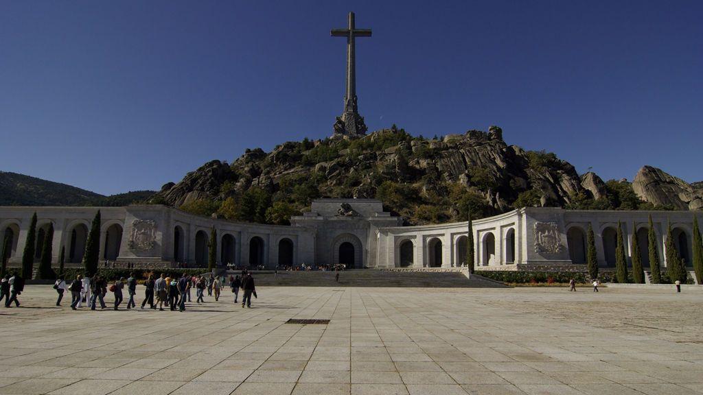 El PSOE anuncia el traslado inmediato de Franco del Valle de los Caídos