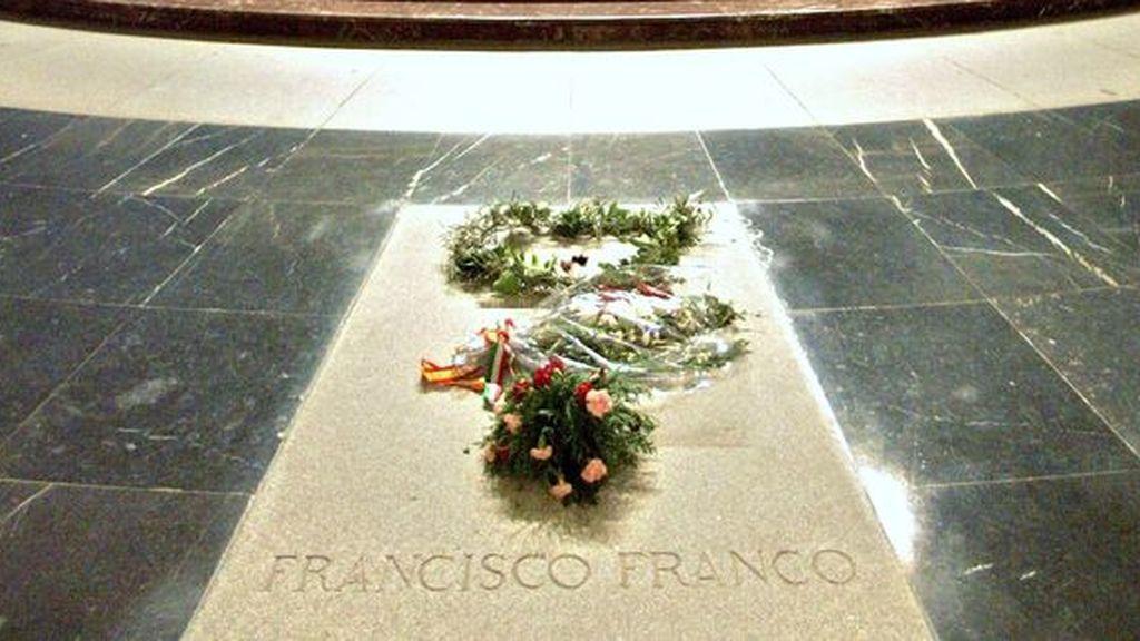 ¿Deben exhumarse los restos de Franco?