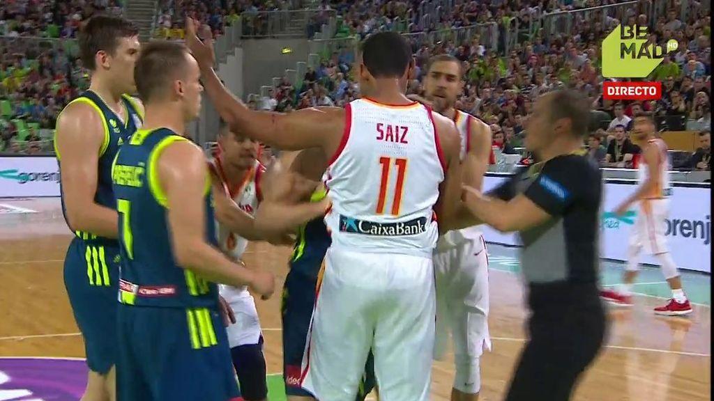 ¡Jaka Blazic y Sebastián Saiz se enzarzan tras varios rebotes!