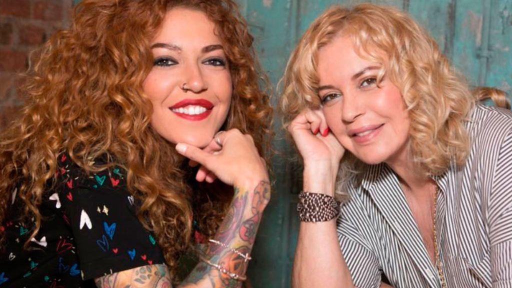 """Sofía Cristo y Bárbara Rey posanpor la visibilidad LGTBI: """"Dominamos muy bien el rollo bollo"""""""