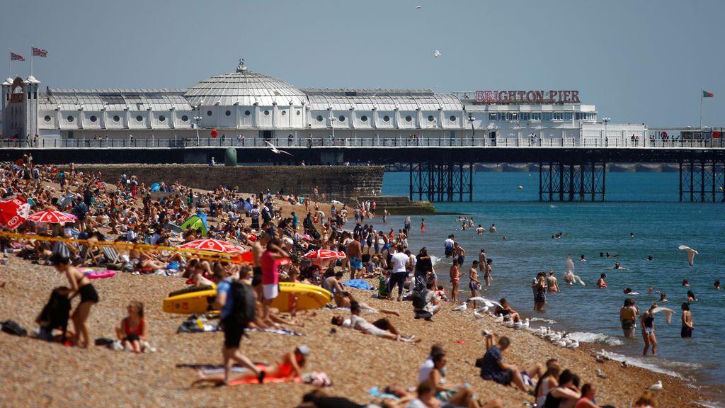 Ola de calor en Reino Unido: provoca incendios y el derretimiento de los raíles ferroviarios