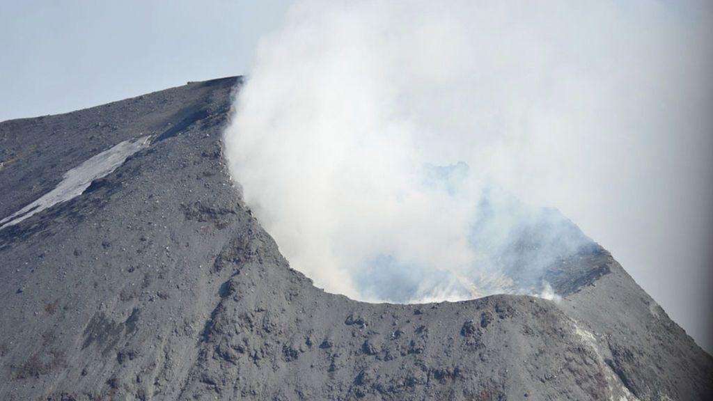 Científicos advierten de la inminente erupción del volcán  Cleveland que podría interrumpir el tráfico aéreo