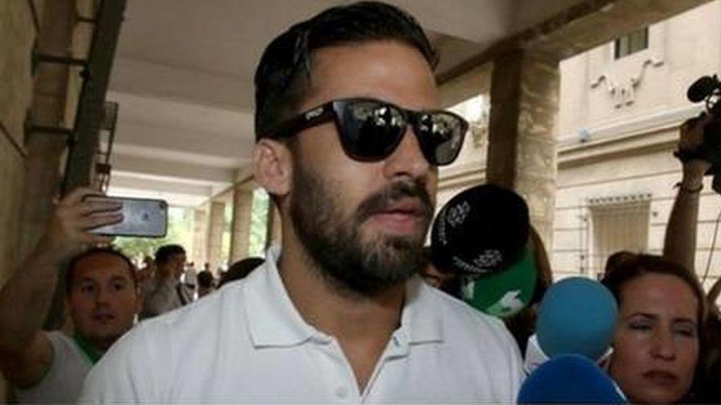 El guardia civil de La Manada intentó sacarse el pasaporte a pesar de que tiene prohibido salir del país