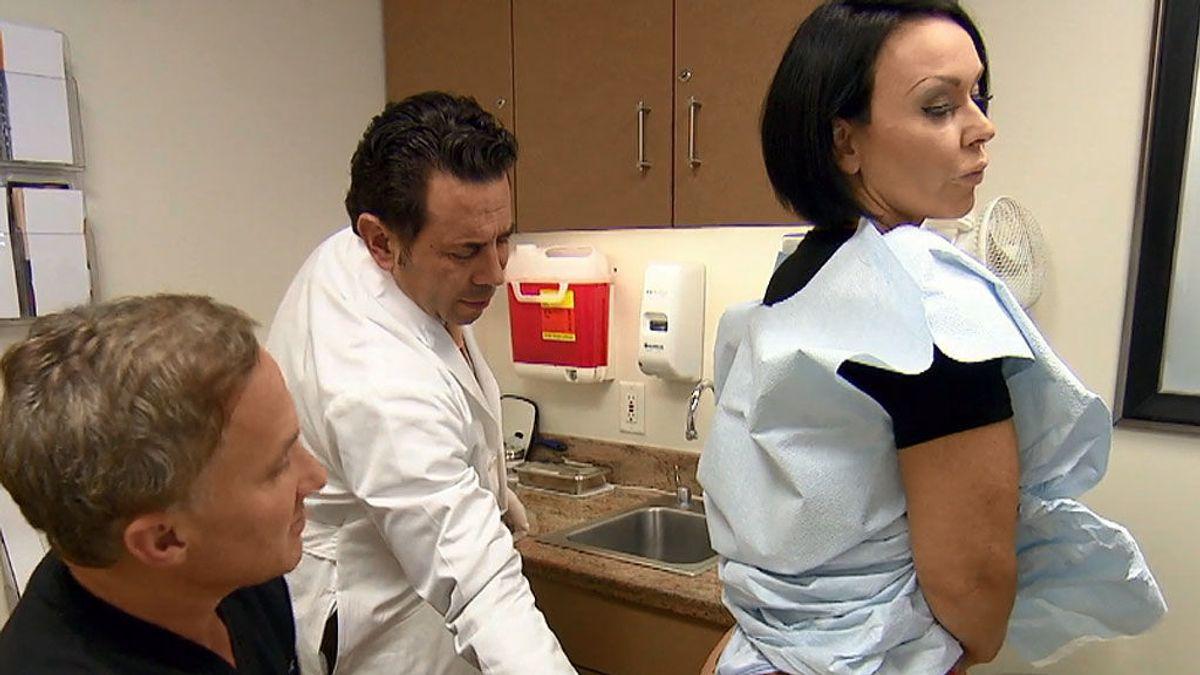 El trasero viral de 'Chapuzas estéticas': las nalgas desformadas de Renee
