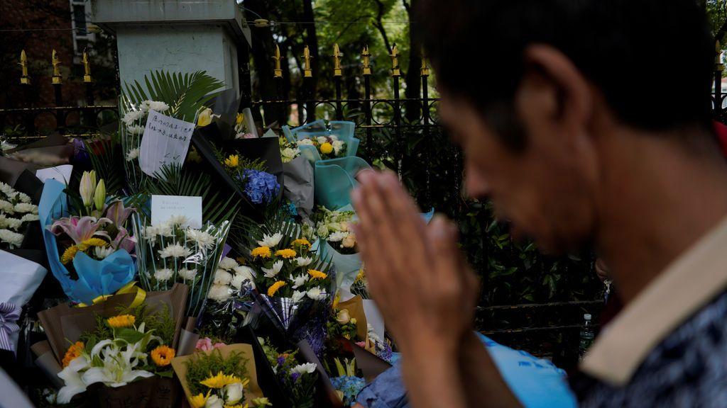 Shangái llora la pérdida de dos niños que fueron acuchillados