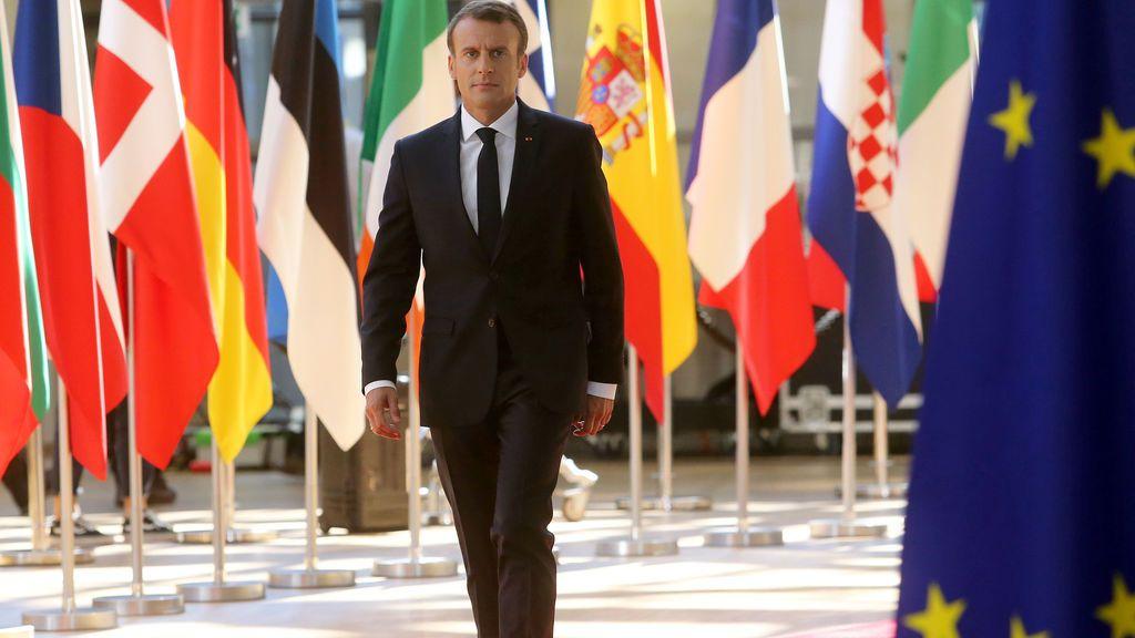 """Macron aclara que son los países en 'primera línea' los que tiene la """"responsabilidad"""" de acoger a migrantes"""