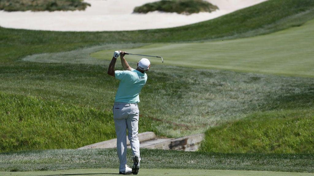 El golfista Bill Haas participando en el torneo de golf americano TPC Potomac