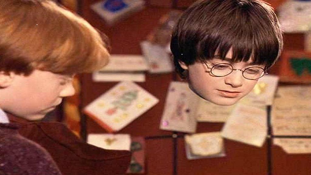 La capa de invisibilidad pertenece a la saga de 'Harry Potter'