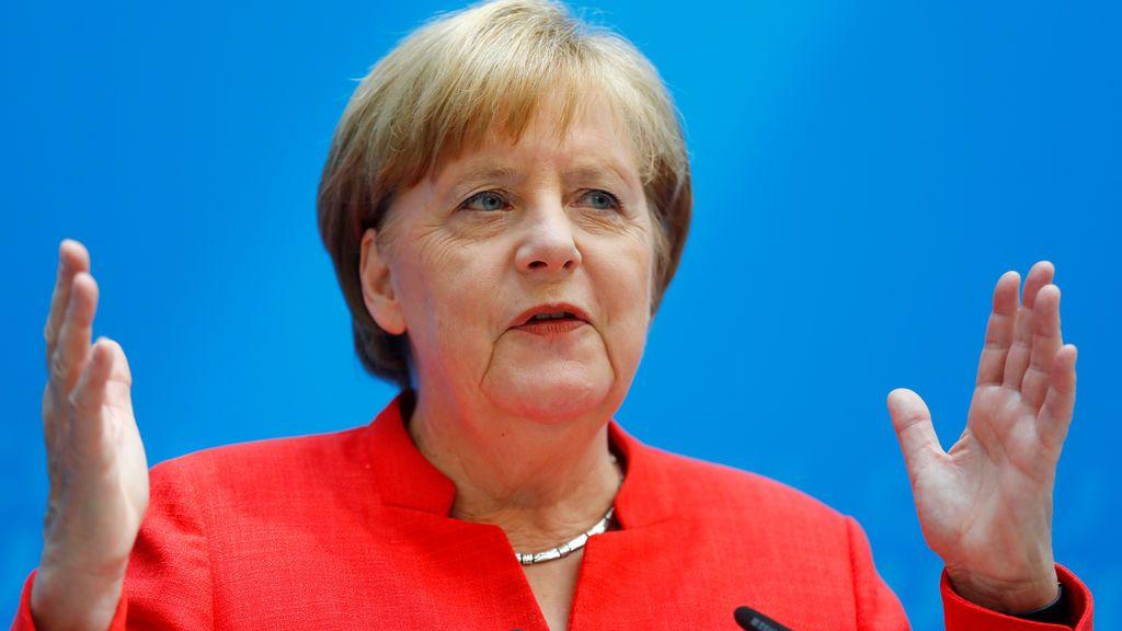 Merkel se declara dispuesta a enviar refuerzos a fronteras exteriores de la UE