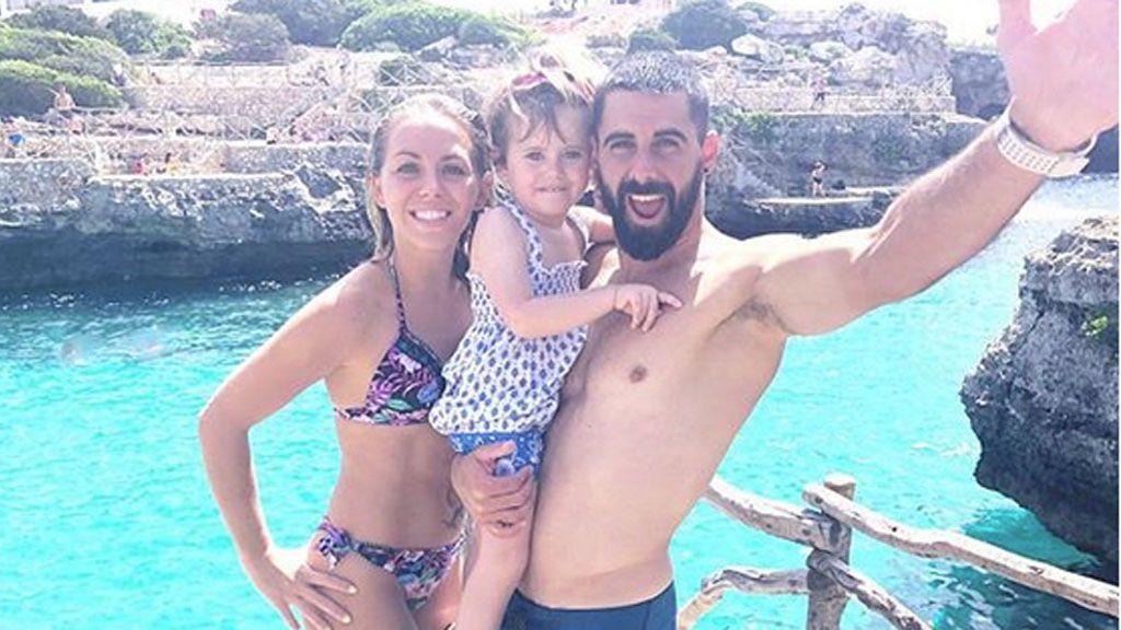 Calas de ensueño y momentos con Valeria: Yoli Y Jonathan 'GH 15', de vacas en Menorca