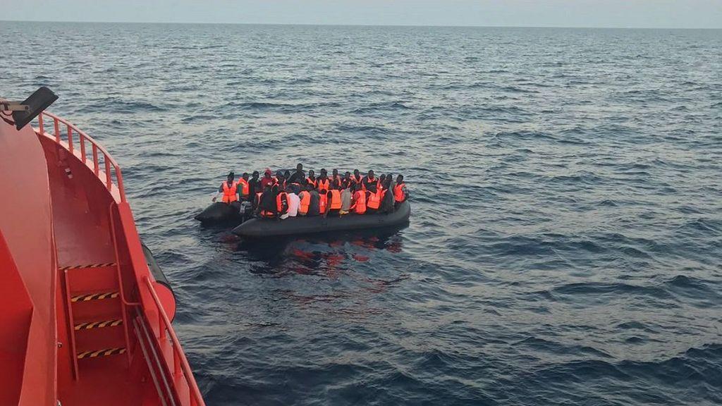 Rescatan a 271 migrantes de aguas del Estrecho de Gibraltar y del mar de Alborán