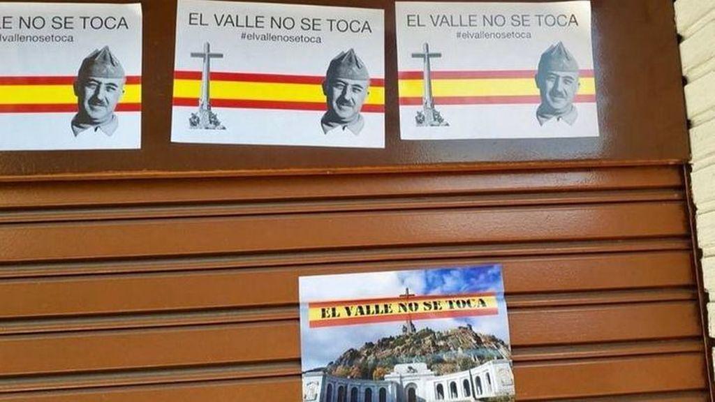 Atacan la sede del PSOE en Alcalá de Henares con mensajes de apoyo a Franco