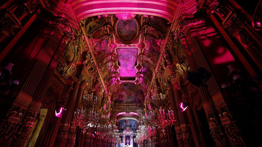 La Ópera de París se viste de gala para recibir a Schiaparelli
