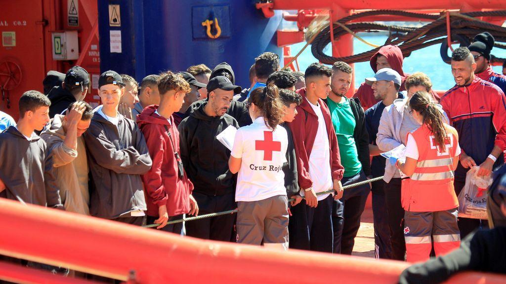 Salvamento Marítimo rescata 380 inmigrantes en aguas andaluzas en las últimas horas