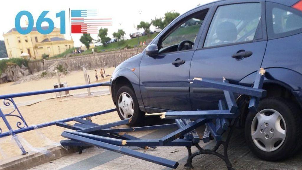 Una menor conducía el coche que atropelló a dos niñas sentadas en un banco en Santander
