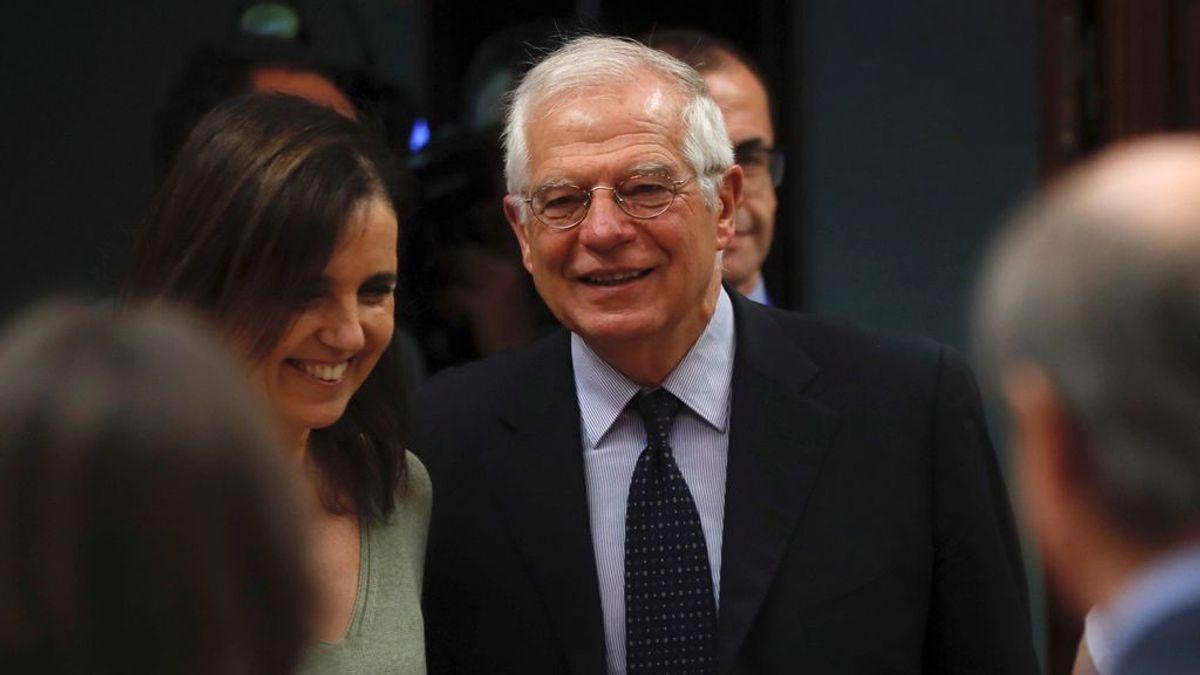 Borrell defiende que Sánchez y Torra puedan hablar de todo, incluido del referéndum