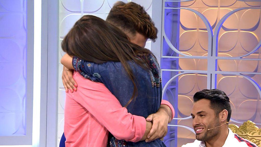 Sofía y Albalá rompen como amigos y se funden en un abrazo (con lágrimas incluido)