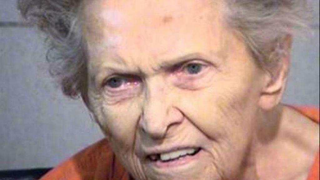 Detenida una mujer de 92 años por matar a su hijo