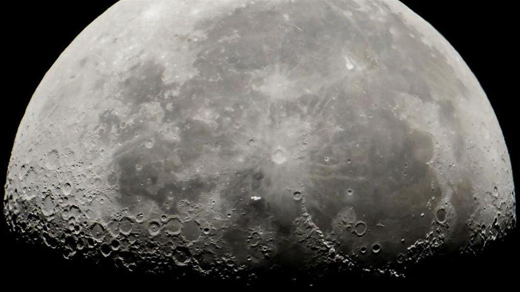 Cara a cara con la Luna