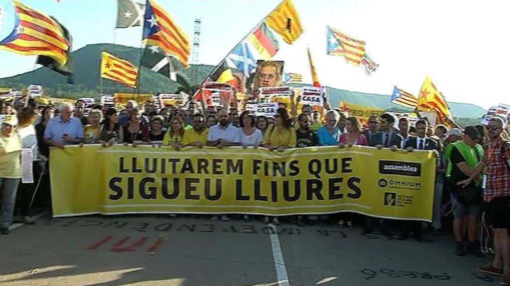 """""""Cerca de casa no es estar en casa"""": Primer día de los políticos independentistas en cárceles catalanas"""