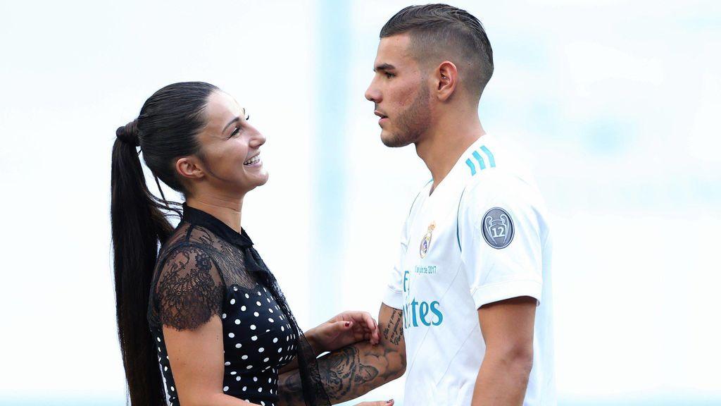 ¿Reconciliación? Theo Hernández publica una fotografía disfrutando de Mallorca junto a Adriana Pozueco