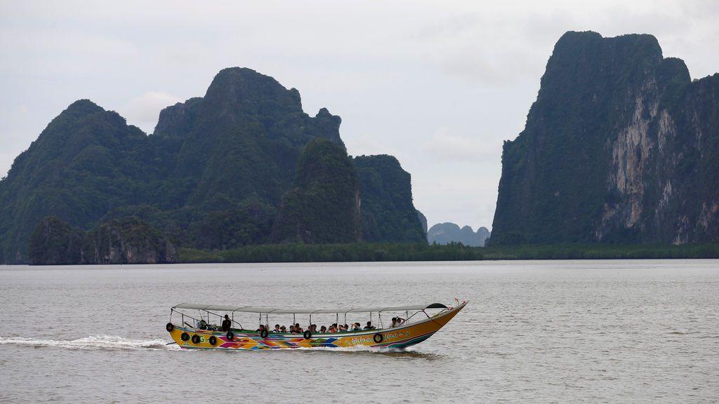 Desaparecidas cerca de 50 personas tras hundirse dos embarcaciones frente a las costas de Phuket