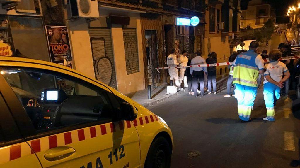 Hallan a una mujer de 47 años ahorcada y con signos de violencia en su casa en Madrid