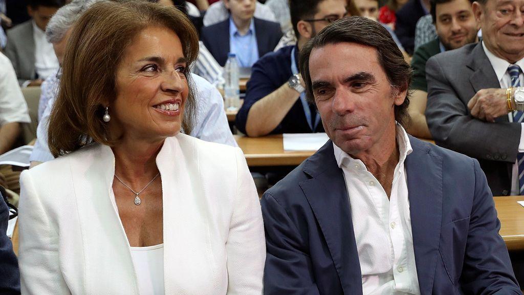 """Aznar le señala a Santamaría y Casado que hay que """"refundar"""" un PP """"integrado y fuerte"""""""