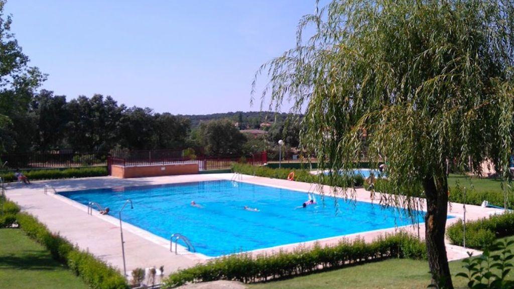 Un niño de 9 años se ahoga en una piscina de Madrid y 'revive' tras una hora de RCP
