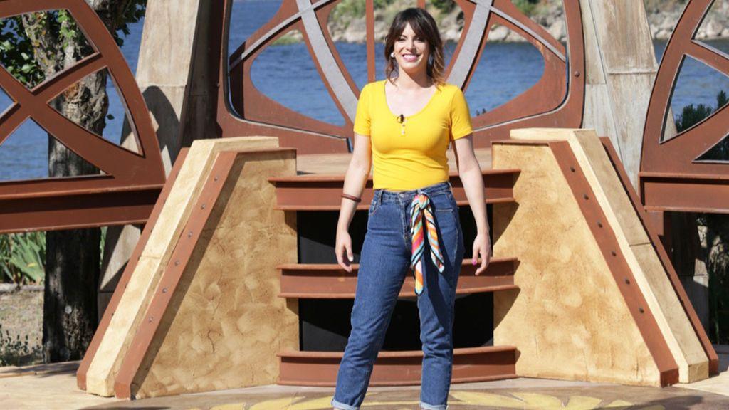 Eva Rojas, presentadora del concurso 'La isla del héroe'