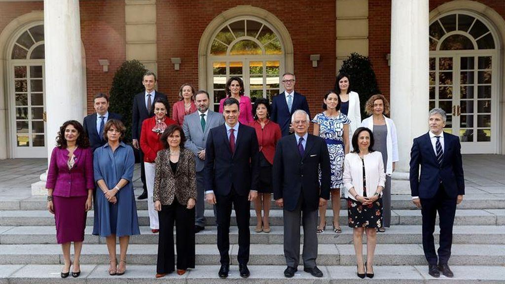 Sánchez posa junto a su equipo de Gobierno