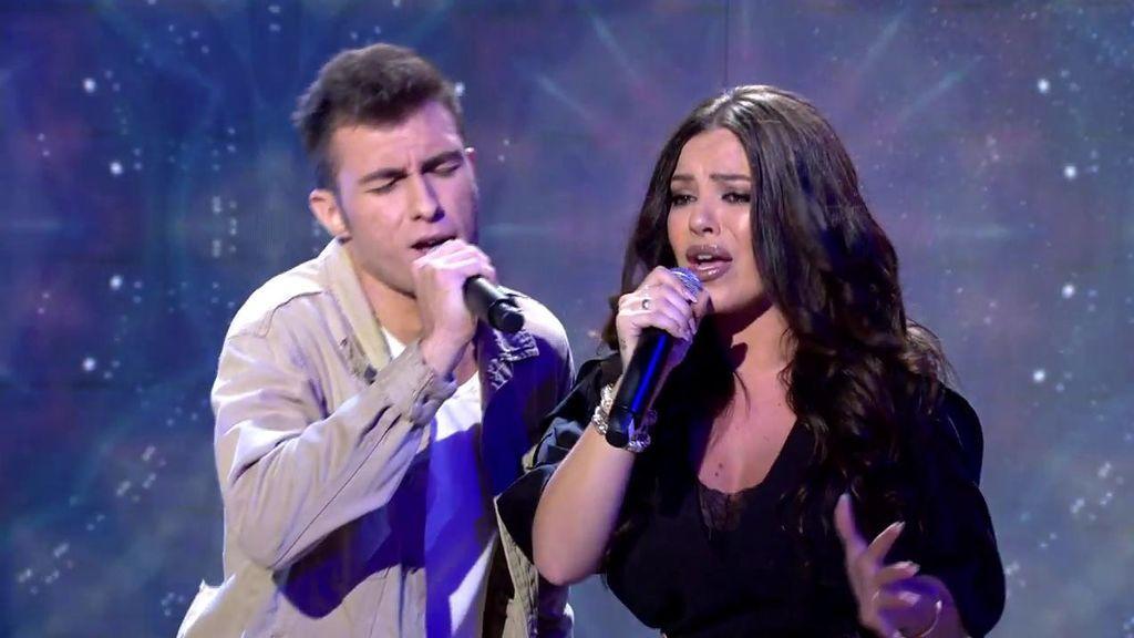 ¡María Isabel vuelve a los escenarios! Canta 'Y sigo aquí' junto a Aaron ('La Voz kids')