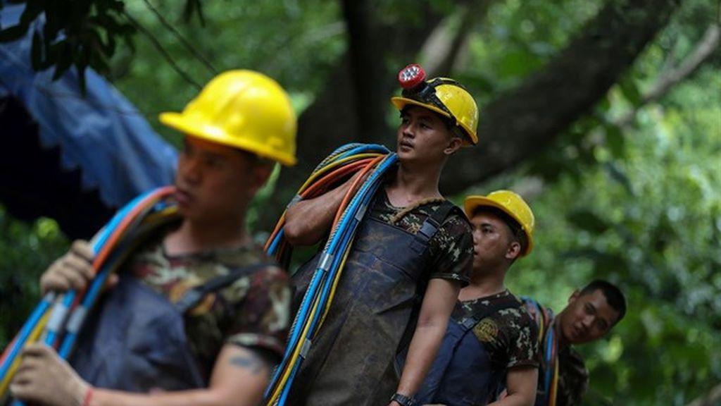 """La misión de rescate de los niños tailandeses advierte de que hay """"un límite de tiempo"""" para salvarles"""