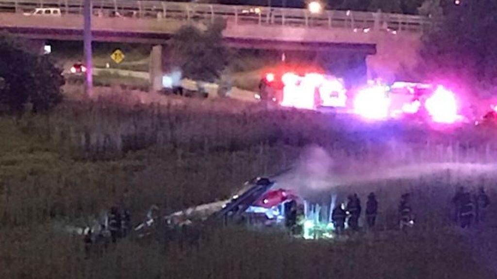 Cuatro heridos al estrellarse un helicóptero ambulancia en una autopista de Chicago
